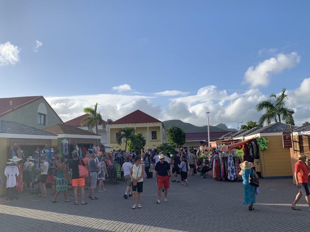 Shopping Mall am Kreuzfahrthafen St. Maarten